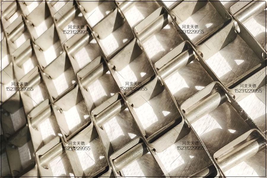 沥水风干机不锈钢长城网带在高温环境中的使用