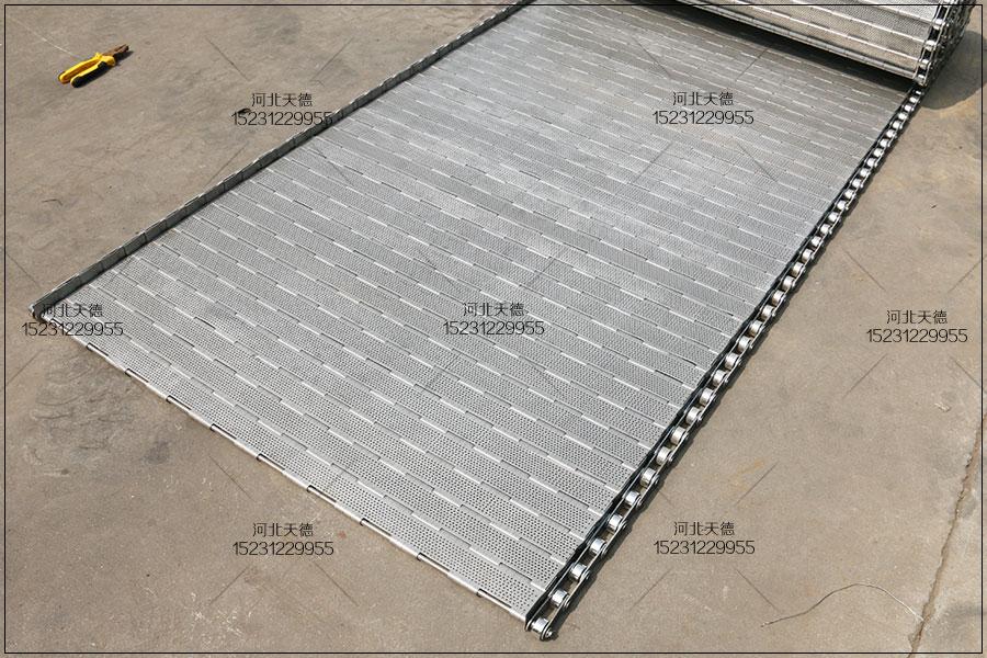 工件抛光流水线选择原则:不锈钢链板输送机